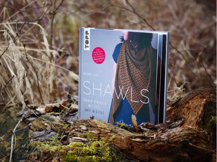 Melanie Berg: Shawls - kniha s návodmi na pletené šatky