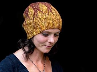 Projektový balíček s návodom na pletenú čiapku od Woolly Wormhead - Azula