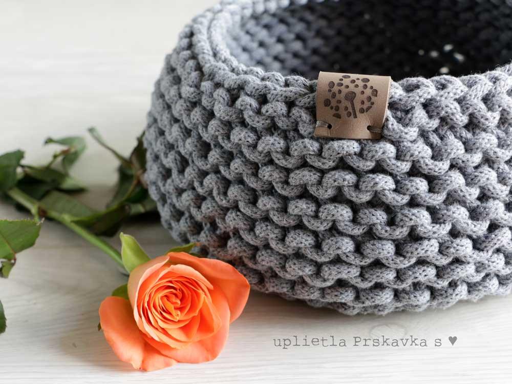 Pletené košíky zo špagátov - jednoduché, účelné a pekné
