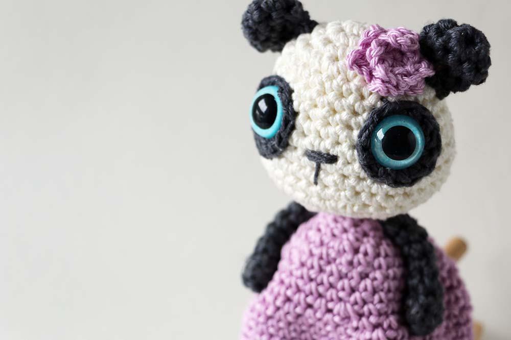 12 cm háčkovaná panda s 15cm bezpečnostnými očami